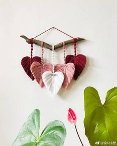 Wonderful Pic Macrame art Tips If you have observed all of our new macramé collection and you're addicted during this incredible Macrame Wall Hanging Diy, Macrame Art, Macrame Projects, Macrame Knots, Art Macramé, Yarn Wall Art, Macrame Design, Macrame Tutorial, Macrame Patterns