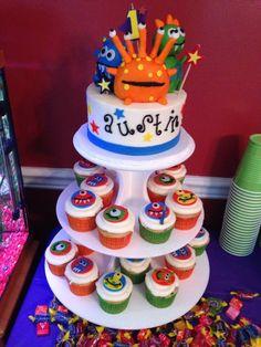 Monster Birthday Cake & Cupcakes!