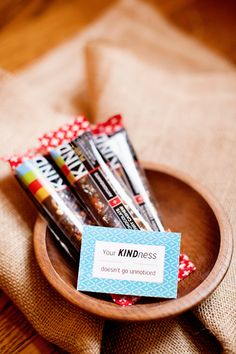 FREE Printables for Food Pun Gift Tags: Justin's PB, Extra Gum, Wholly Guacamole Teacher Gift Baskets, Teacher Treats, Teacher Gifts, Volunteer Appreciation Gifts, Volunteer Gifts, Pun Gifts, Thank You Gifts, Wholly Guacamole, Extra Gum