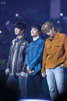 """""""© a love knot"""" Kyungsoo, Kaisoo, Exo Chanyeol, Exo Group Photo, Exo Couple, Exo Concert, Exo Lockscreen, Boy Idols, Exo Korean"""