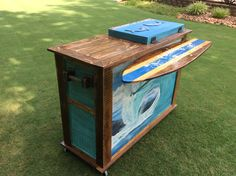 Back view of built in cooler bar. I added a flip up surfboard bartop. Everything made strictly from pallets.
