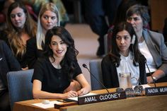 Whether in chic skirt suits or glamorous couture gowns, Amal Clooney always slays the style scene; scroll to see her best looks of all time! Amal Clooney, George Clooney, Human Rights Lawyer, Lawyer Outfit, Rodrigo Duterte, Tina Fey, Matthew Mcconaughey, Successful Women