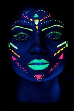 Best party neon flyer Ideas Body Painting - Extreme Styling - Henna Body Art Best party neon flyer I Uv Makeup, Dark Makeup, Makeup Shop, The Face, Face And Body, Pintura Facial Neon, Glow Face Paint, Black Face Paint, Maquillage Phosphorescent