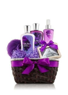 22 Trendy Bath And Body Works Basket Ideas Diy Gifts Gift Baskets For Women, Mother's Day Gift Baskets, Birthday Gift Baskets, Birthday Gifts, Basket Gift, Spa Basket, Basket Ideas, Diy Mothers Day Gifts, Spa Gifts