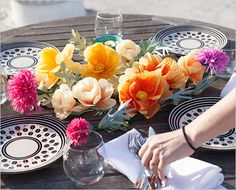 make a paper flower centerpiece