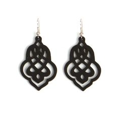 Jewelry made of recycled silicon baking molds