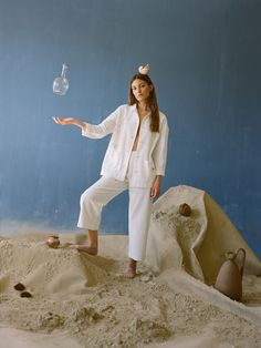 The Laguna and the Lago pieces, a perfect match Fashion Photography Inspiration, Photoshoot Inspiration, Editorial Photography, Portrait Photography, Aesthetic People, Creative Portraits, Editorial Fashion, Backdrops, Lidl