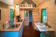 Exploren el segundo dormitorio de esta casa de 18 metros cuadrados