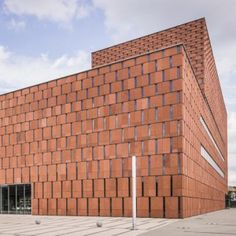 Katowice Scientific Information Centre  and Academic Library   Poland  by HS99
