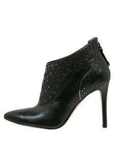 4238ef72361c 11 best shoes images on Pinterest