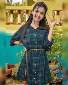 Cool Girl Pictures, Girl Photos, Rose Flower Wallpaper, Boy Photography Poses, Social Media Stars, Indian Teen, Stylish Girl Pic, Social Media Influencer, Cute Girl Photo