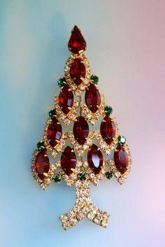 Vintage Rhinestone Christmas Tree Brooch/Pin $25