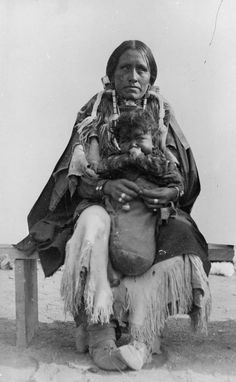 Native American (Cheyenne) woman and child - 1880/1900