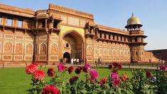 http://vizts.com/wp-content/uploads/2015/12/beautiful-picture-of-taj-mahals-gate.jpg