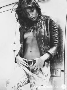 Wicked game. Vangardist Magazine. photographer Juergen Knoth. jeans fashion. hot girl. black and white.