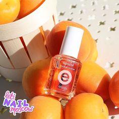 #nails #nailart #beautifulnails #funnails #ногти #маникюр #красивыеногти Осень = оранжевый  Абрикосовое масло для кутикулы @essieprorussia - для меня (вот честно) больше аромотерапия чем уход :) Потому что оно пахнет абрикосами (кэп) и карамелью а с таким ароматом мне уже все равно что оно там увлажняет))))  #essielove