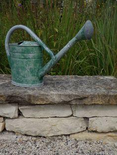 Antique green watering can, lovely shape Metal Watering Can, Watering Cans, Garden Gates, Garden Tools, Garden Ideas, Garden Inspiration, Water Me, Milk Cans, Plantation