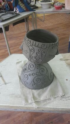Raku Pottery, Pottery Sculpture, Ceramic Bowls, Ceramic Art, Coil Pots, Head Planters, Clay Bowl, Hand Built Pottery, Ceramics Projects