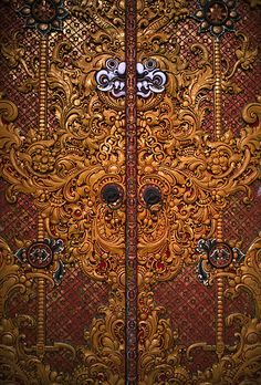 Bali (Indonesia) - Carved temple door | Flickr - Photo Sharing!