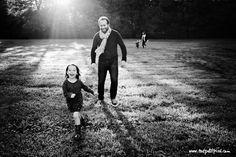 Lisa Tichané, photographe pour enfants vous accueille dans son studio photo à Marseille pour une séance en famille ! Consultez son book !