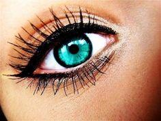 Бирюзовые глаза: как подчеркнуть редкий цвет макияжем - http://vipmodnica.ru/biryuzovye-glaza-kak-podcherknut-redkij-tsvet-makiyazhem/