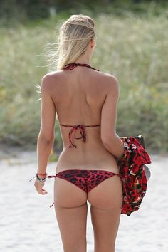 bikinis-035-12202014