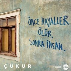 You say your own sentence, the word is supposed to be on the pit Du sagst deinen eigenen Satz, das Wort soll auf die Grubenwände geschrieben wer… You say your own sentence, the word is to be written on the pit walls, your name … – Deniz Akgün – # Akgün - New Life Quotes, Funny Quotes About Life, Mood Quotes, Best Quotes, Wall Quotes, Poetry Quotes, Wisdom Quotes, Some Beautiful Quotes, Arabic Tattoo Quotes