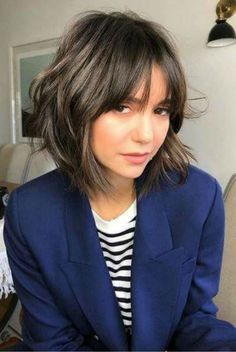 Short Shag Haircuts That'll Finally Convince You to Make the Chop Cortes de cabelo curto e felpudo q Modern Shag Haircut, Short Shag Haircuts, Haircuts With Bangs, Haircut Short, Bangs Short Hair, Short Choppy Bobs, Short Shaggy Bob, Modern Haircuts, Short Layerd Bob