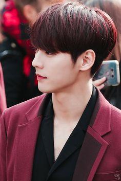 Who is the most handsome KPOP idol? Btob Lee Minhyuk, Sungjae Btob, Im Hyunsik, Monsta X Minhyuk, Korean Celebrities, Korean Actors, Celebs, Rapper, Born To Beat
