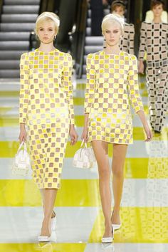 abecedario con todas las tendencias de moda de primavera verano 2013: s de sixties/seventies