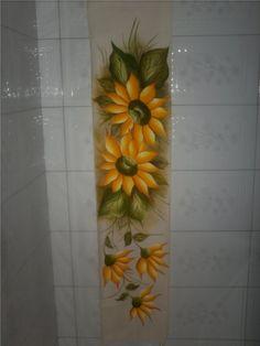 caminho_de_mesa_pintura_em_tecido_flor_amarela_grande.JPG (676×900)