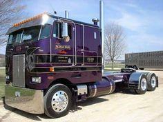 Peterbilt Cabover Fans added a new photo. Big Rig Trucks, Semi Trucks, Cool Trucks, Train Truck, Road Train, Peterbilt 379, Peterbilt Trucks, Custom Big Rigs, Custom Trucks