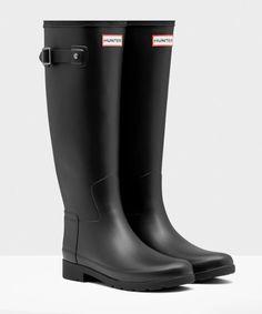 Hunter Original Refined Rain Boots in Black, size 7.