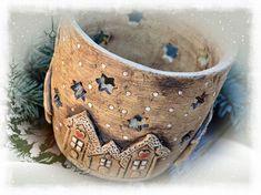 """Všechny vás moc zdravím s poslední keramikou v tomto roce. Celou tuto kolekci jsem nazvala """"keramika s příběhem"""". Tak nějak jsem si ... Ceramic Pots, Ceramic Pottery, Ceramic Christmas Decorations, Potters Clay, Lantern Candle Holders, Christmas Art, Polymer Clay, Candles, Pottery Ideas"""