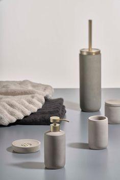 Saxo: raw concrete and delicate brass details // Bathroom Accesories, Bathroom Accessories Luxury, Decorative Accessories, Bathroom Inspiration, Home Decor Inspiration, Couple Room, Shower Niche, Bathroom Essentials, Minimalist Bedroom