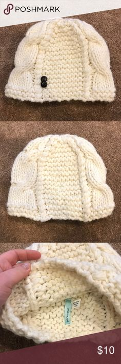 White/Cream Knitted Hat Beanie Super cute Knitted Hat! Very soft and in great condition  - Maurices - White/Cream - One Size Maurices Accessories Hats