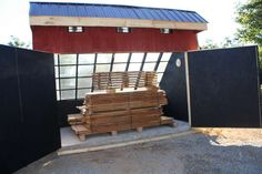 the solar kiln by Wood Mizer doesn't use dehumidifier.all solar. The one I built years ago would go over 100 when it was 0 Wood Kiln, Kiln Dried Wood, Saw Mill Diy, Timber Framing Tools, Solar Kiln, Portable Saw Mill, Bamboo Roof, Building A Pole Barn, Lumber Mill