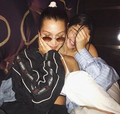 Bella Hadid strips off to her lacy lingerie for a shower during vacay Travel buddies: The model has been traveling Europe with Kendall Jenner lately, touching down in London last week before partying it up together in Mykonos on Monday Best Friend Goals, My Best Friend, Best Friends, Bella Hadid, Ft Tumblr, Hipster Grunge, Shooting Photo, Friend Photos, Friend Pictures