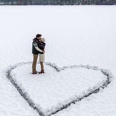 We're loving this winter themed engagement shot! Who agrees?!  by Classy Girls Wear Pearls #WedPics #weddinginspiration #engagement #engaged #engagementphotos #engagementphotography #winterwedding #winter