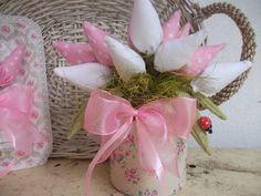 DIY: Faça você mesma, Decoração com tulipas de tecidos ♥ (+playlist) reciclando bandeja de alimentos  com tecido