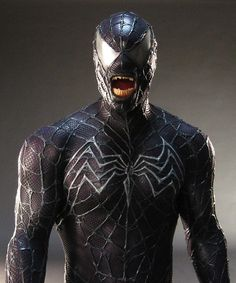 Venom costume, designed by the talented crew at Frontline Design. Read more at http://www.comicbookmovie.com/fansites/nailbiter111/news/?a=98024&utm_source=zergnet.com&utm_medium=referral&utm_campaign=zergnet_165691#ZkQzqj4LCi4c9z7z.99