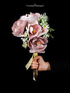 Il bouquet pageant, una crezione che rappresenta il mese di marzo con margherite e fiori di magnolia. Ideale per il tuo matrimonio primaverile. #bouquet #marzo #matrimonio #magnolia #margherita Pageant, March