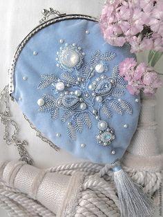 Опал - голубой,средневековье,бархат,кисет,сумочка вечерняя,бисер,японский бисер