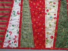 Christmas Festive Red Green Quilted Placemats by countrysewing4U