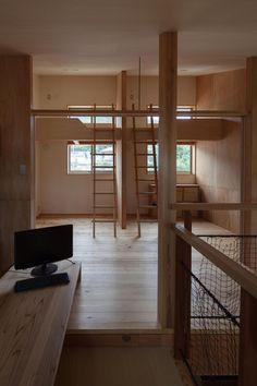 子供部屋(段々畑の家) - 子供部屋事例|SUVACO(スバコ)