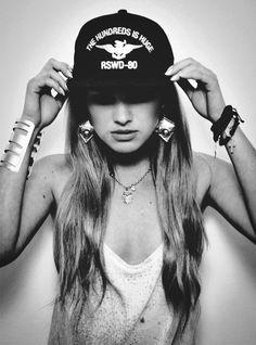 #hamsa #newera #gold snapback black and white girl fashion style tomboy love it