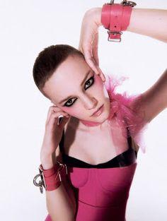 "Duchess Dior: ""Bubble Gum Punk"" ELLE UK April 2021 Happy Coffee, Punk Princess, Bubble Gum, Foto E Video, Pretty In Pink, Editorial Fashion, High Fashion, Alexander Mcqueen, Dior"