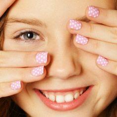 Unas uñas perfectas son estas pintadas con pequeños lunares ¿TE gustan? Acrylic Nails, Nail Designs, Nail Art, Pink, Irene, Beauty, Madrid, Barcelona, Makeup Eyebrows