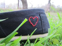 DIY- i'm going to do this to my TOMS