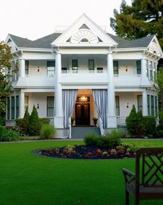 A blend of Napa inn and boutique Napa Valley hotel, White House offers Napa wine country resort-style accommodations in the heart of downtown Napa. Beautiful Buildings, Beautiful Homes, Resort Style, White Houses, Napa Valley, A Boutique, Curb Appeal, Mansions, Architecture